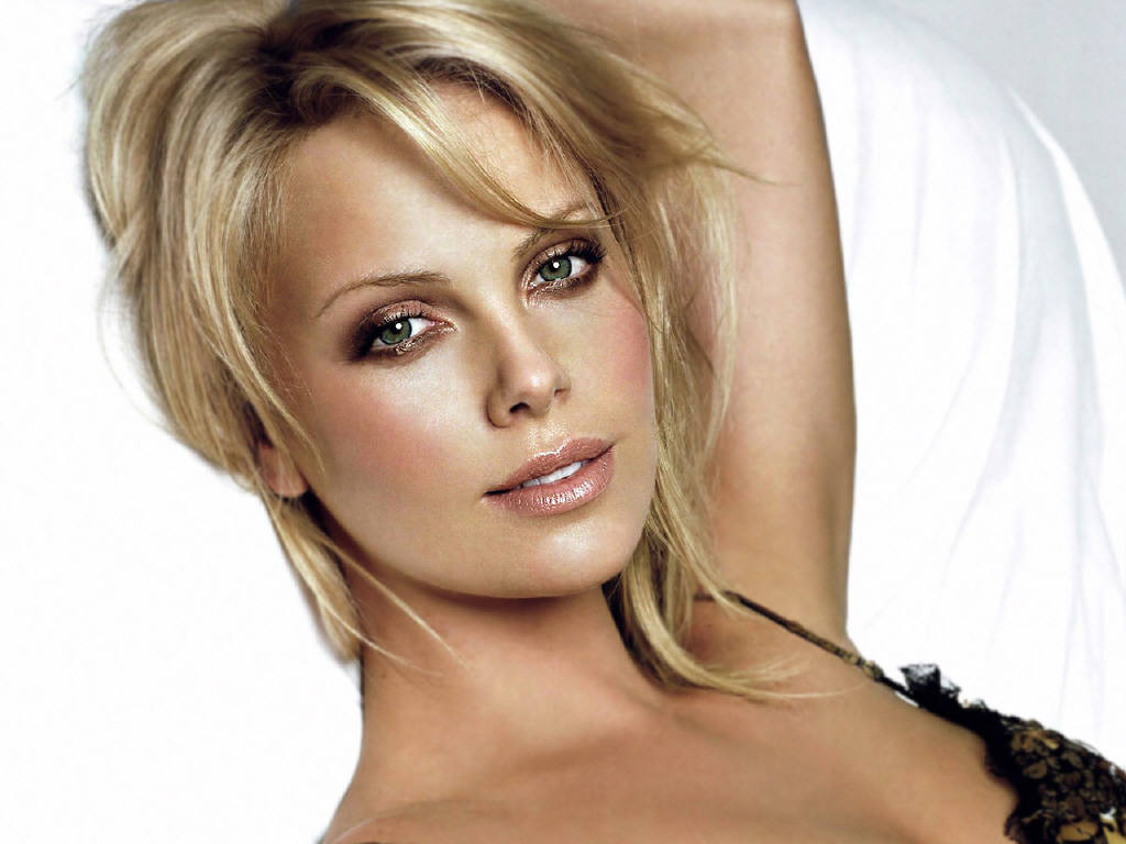 the-5-most-beautiful-women-in-the-world