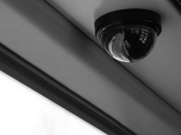 security-cameras-wired-vs-wireless-devices