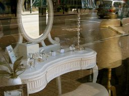 5-beautiful-affordable-dressing-table-mirrors